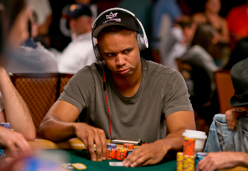 Phil Ivey mise au poker