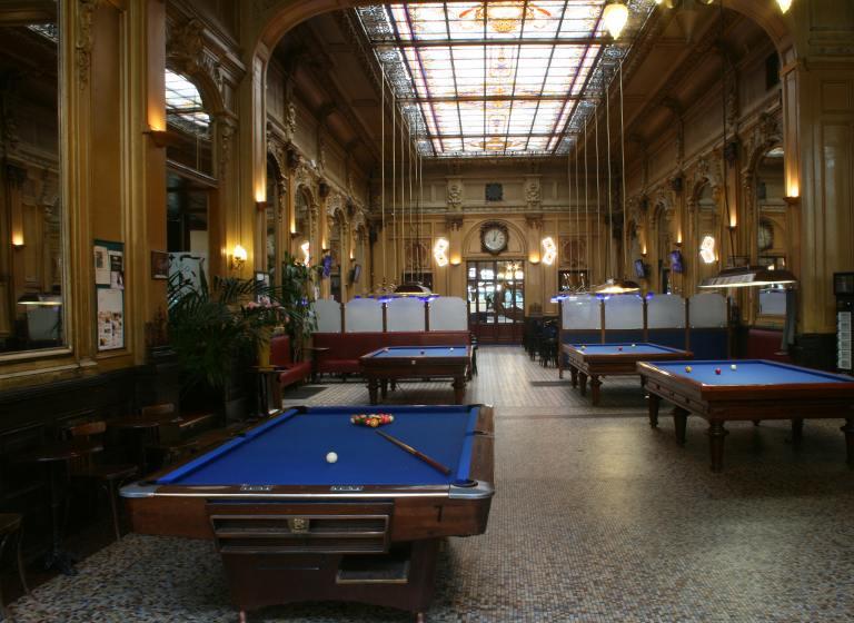 Tables de billard au Cercle Clichy-Montmartre